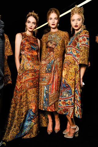 dolce_gabbana_backstage_winter2013_milan_trendy_jungle