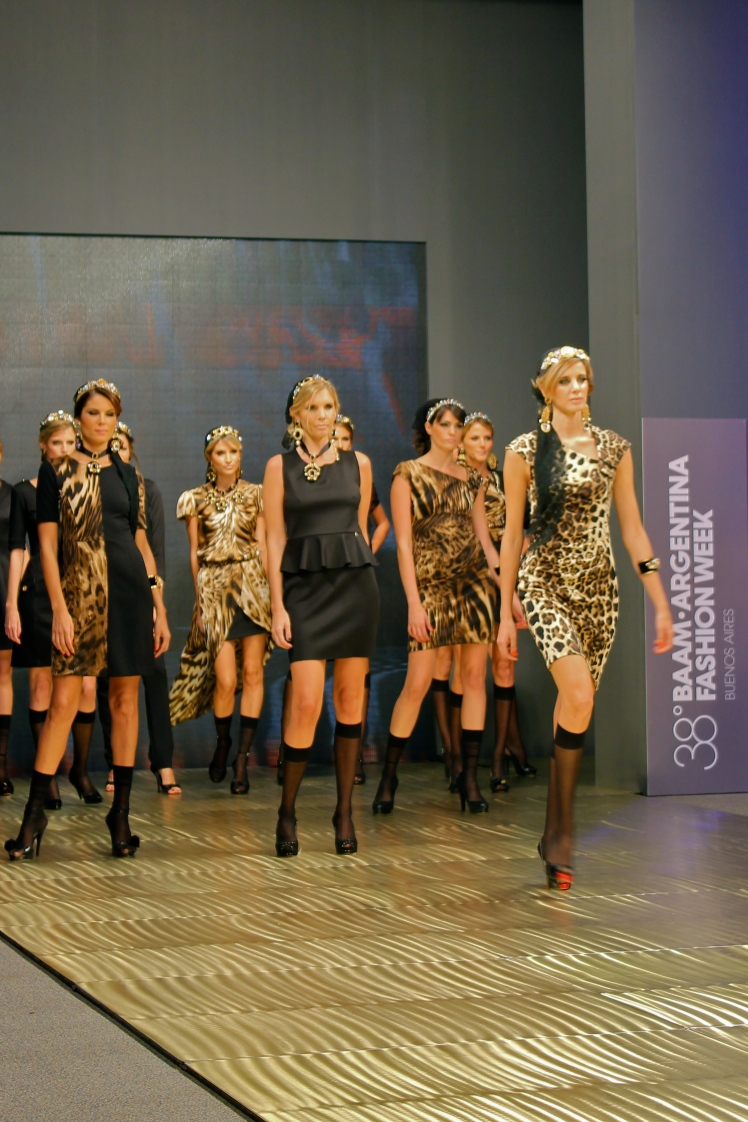 teresa_calandra_baam_argentina_fashion_week_vidal_rivas_trendy_jungle_leopardo