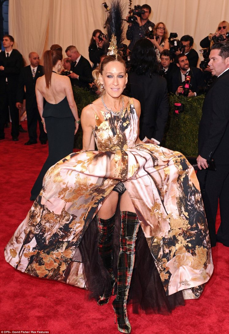 sarah_jessica_parker_met_gala_2013_trendy_jungle