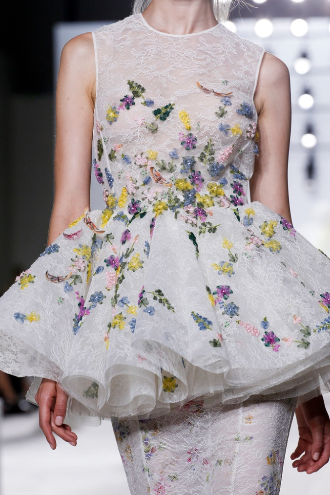 giambattista_valli_paris_fashion_week_invierno_2014_trendy_jungle_2