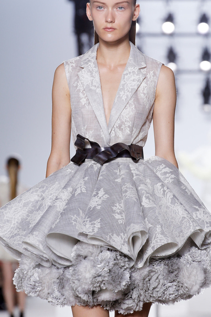 giambattista_valli_paris_fashion_week_invierno_2014_trendy_jungle_5