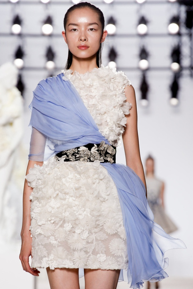 giambattista_valli_paris_fashion_week_invierno_2014_trendy_jungle_6
