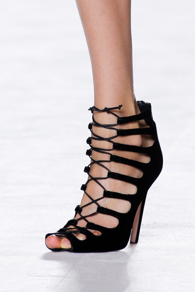 giambattista_valli_paris_fashion_week_invierno_2014_trendy_jungle_7