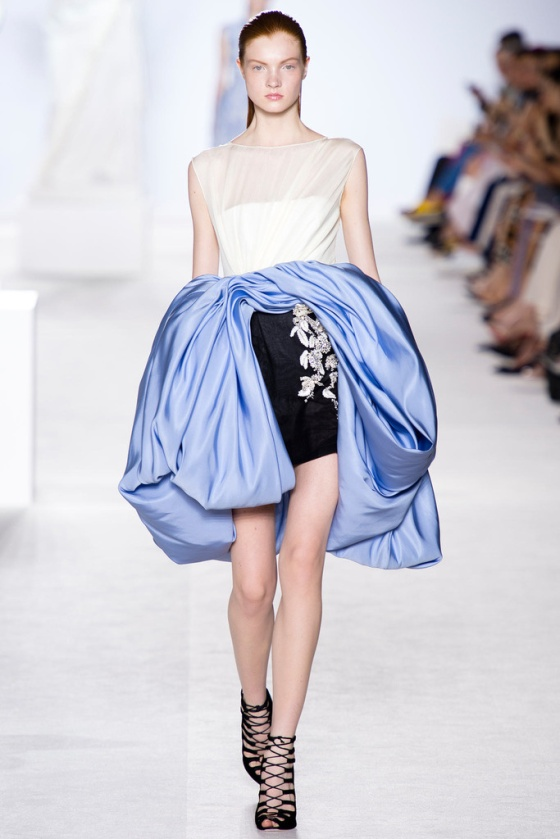 giambattista_valli_paris_fashion_week_invierno_2014_trendy_jungle_11