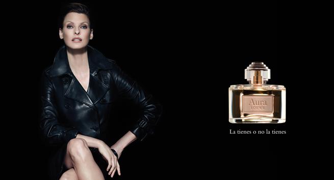 linda-evangelista-perfume-aura-loewe-trendy-jungle-1