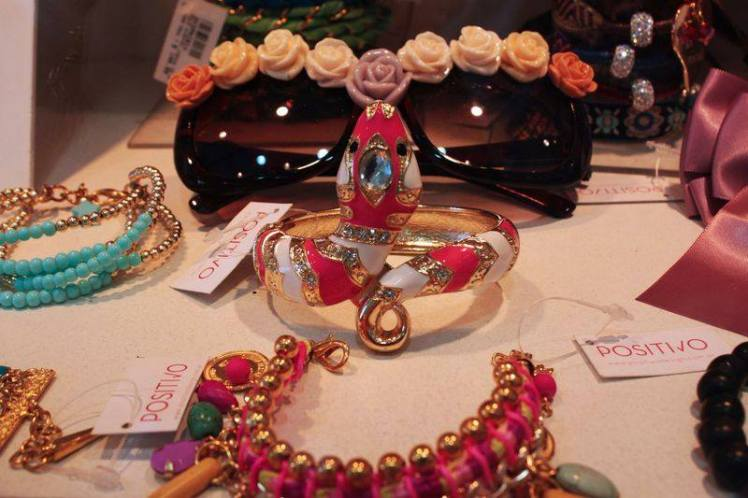 positivo-design-accesorios-palermo-ely-ikonicoff-trendy-jungle-7