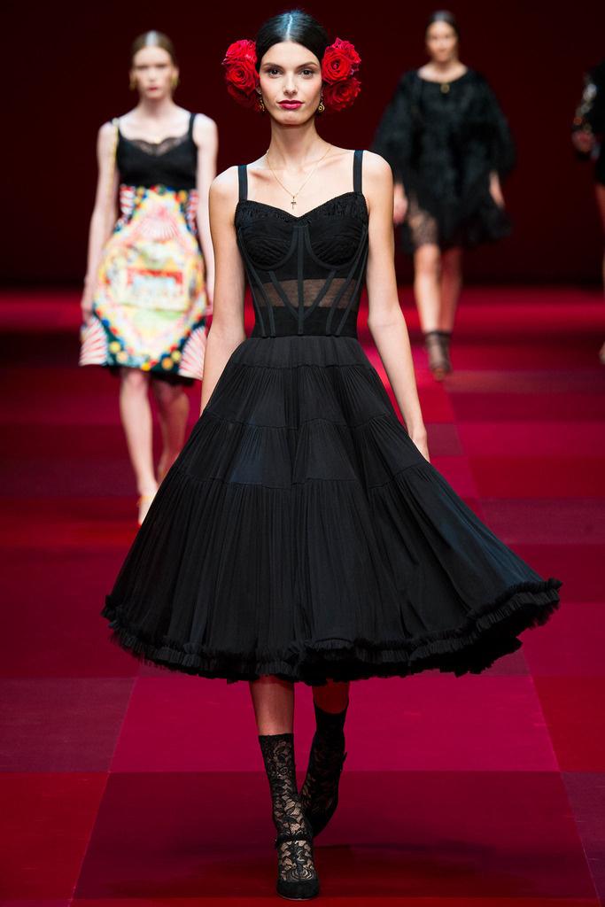 dolce_gabbana_milan_fashion_week_trendy_jungle_2015_7