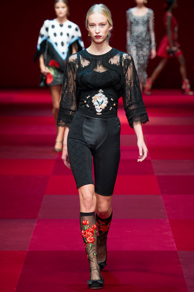 dolce_gabbana_milan_fashion_week_trendy_jungle_2015_10