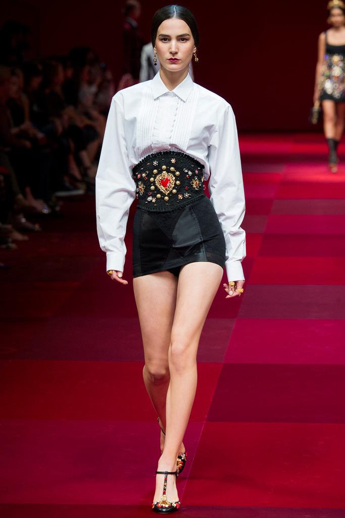 dolce_gabbana_milan_fashion_week_trendy_jungle_2015_12